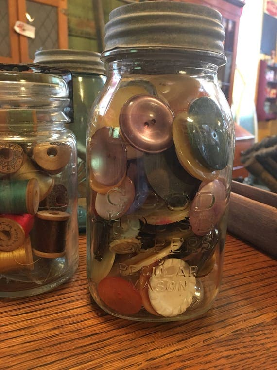 Quart Good Housekeepers Glass Jar full Large vintage Buttons ~ button collection