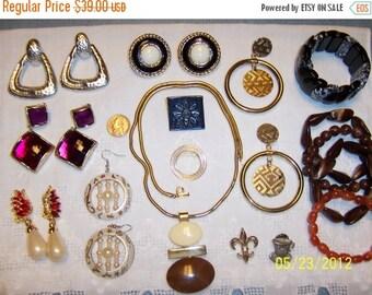 20 OFF SALE, Vintage Jewelry Lot 55. Big and Bold XVI.