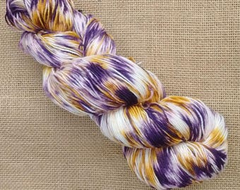 "Hand dyed British Bluefaced Leicester/nylon sock yarn in ""Irises"""