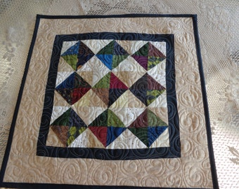 Momma Tolly Table Quilt, Shades of Country Decorator Quilt, 1227-02
