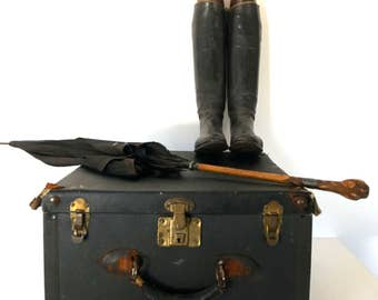 Vintage Train suitcase/luggage