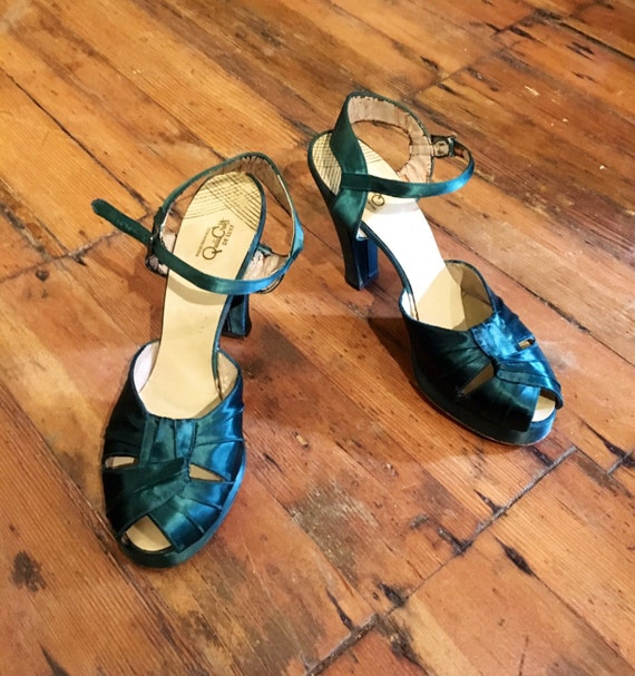 Vintage 1940s Green Satin Shoes by Qualicraft Size 6