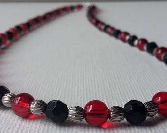 Red and Black Acrylic Beaded Necklace