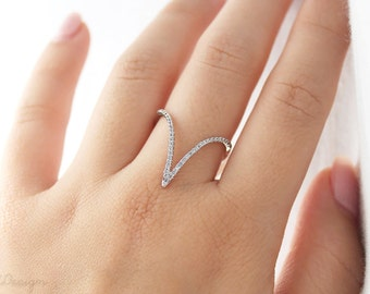 Stunning V shaped Ring, Chevron Ring, in Rose Gold and Rhodium