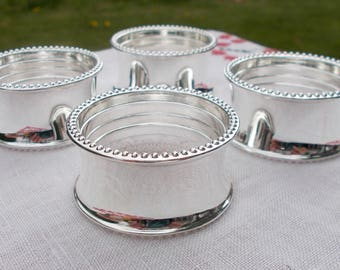 Set of Four Chrome Finish Napkin Rings  Non Magnetic Metal with Bright Silver Finish Dining Serving Kitchen