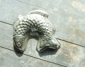 Vintage Metal Fish Decorative Kitchen Wall Hanging Beach Lake House Decor