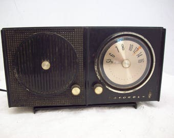 Vintage Motorola Black Working AM Radio