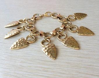 Arrowhead Charm Bracelet • Vintage Chunky Bracelet • Gold Tone Charm Bracelet • Arrowhead Charms • 80s Gold Bracelet • Funky Bracelet