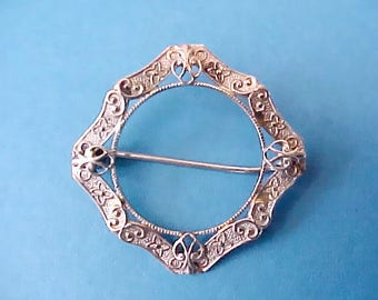 Lovely and Dainty Little Antique Brooch with Heart Design