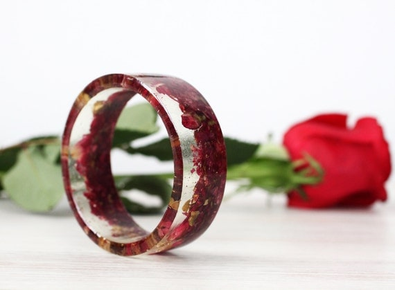Red Rose bracelet - Epoxy resin bracelet - Real flower Bracelet - Rose Petals