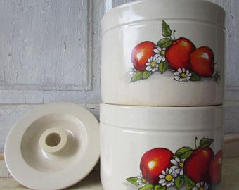 set of two vintage shakers and thangs crock pots apples and daisies