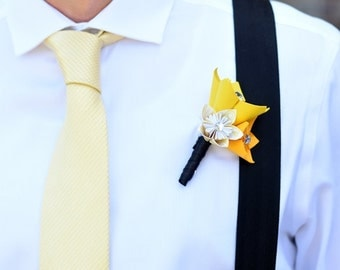 Boutonniere - Wedding Accessory - Kusudama paper flowers, groomsman, paper flower, paper flower wedding, flower settings, small paper flower