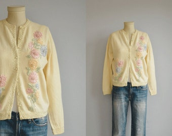 Vintage 60s Beaded Cardigan / 1960s Cream Pastel Embroidered Wool Sweater with Flower and Pearl Beading
