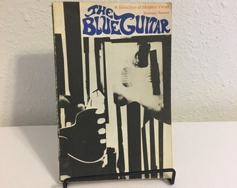 The Blue Guitar, A Selection of Modern Verse, Poetry Collection, Ex Library, Leonard Cohen, ee Cummings, Dylan Thomas