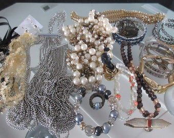 Mixed Lot (jlot10) ~ WEARABLE COSTUME JEWELRY ~ Mixed Metals / Stones
