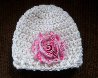 Stocking hat, crochet, newborn, off white with gold thread, with removable hair clip