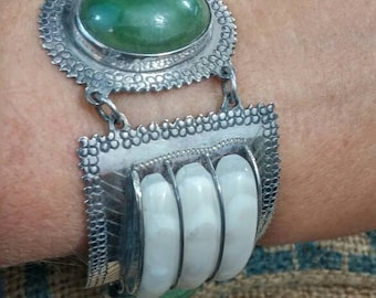 VINTAGE MEXICAN JADE  and onyx heavy Mexican Sterling Bracelet Taxco