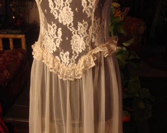 Vintage 1950s Sweeping  Lingerie Lace Gown Bridal Worthy