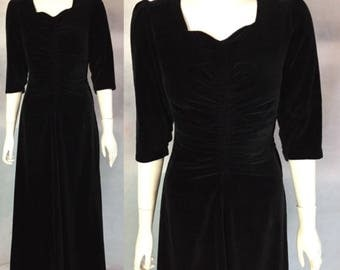 SALE 1930s black velvet evening dress with ruched bodice
