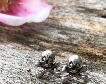 Memento Mori Skull Earring Studs