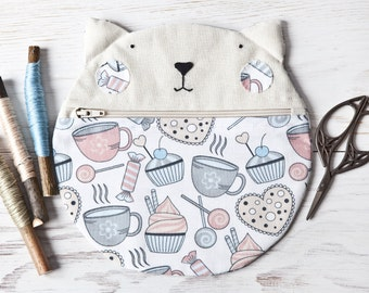 School Supplies, Cat Cosmetics Bag with Cupcake Pattern, Pencil Case, Pastel Cosmetics, Cat Lover Gift, Pastel Bag, Cute Makeup Bag, Circle