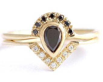 Black Diamond Bridal Ring Set, Black Pear Diamond Ring, Alternative Wedding Ring Set, Diamond Wedding Ring, Black Engagement Ring