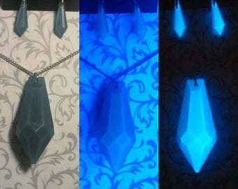 Sea Blue Atlantian Crystal Necklace and Earring Set // Glow-in-the-Dark