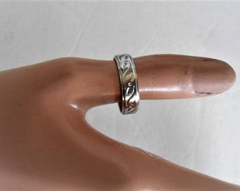 14K Solid White Gold Gilld Wedding Band, Ring. Size 10, 5 Grams