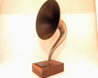 Bluetooth Speaker, Magnavox Speaker, Wireless Speaker, iPhone Speaker, iPhone Amplifier, iPhone Amp, iPhone Dock, iPhone Stand, Speaker