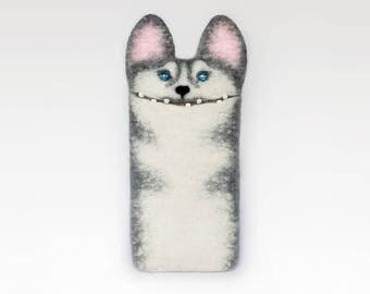 iPhone 7 Husky dog case, felt sleeve, felted Husky dog, felt animal, handmade gift
