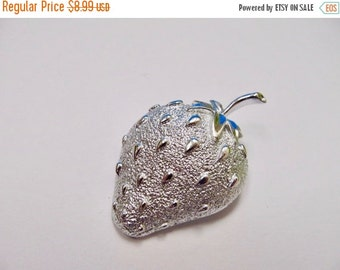On Sale SARAH COVENTRY Textured Large Strawberry Pin Item K # 1505