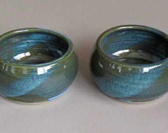 Small pair of Spaniel bowls, dog dishes,pet bowls, handmade, ceramic dog bowls
