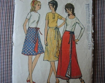 vintage 1960s Butterick sewing pattern 6207 Misses reversible A line wrap skirt in three lengths size medium