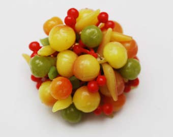 tutti frutti brooch - fruit bead cluster pin - vintage plastic - colorful fruit salad pin