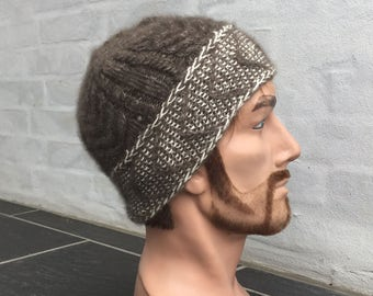 Hand knitted beanie knitted with QIVIUT and Suri alpaca