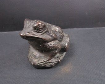 frog metal paperweight