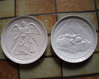 Lot of 2 Ceramic Frankoma bone colored decorator plates dated 1973 and 1980