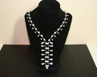 STUNNING Vintage Rhinestone Long Y style Necklace with Hook Closure