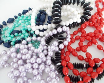 Vintage Beaded Necklaces – Choice Out