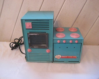 Vintage toy tin oven, Junior chef Magic Cool Oven, old metal toy stove, turquoise and pink, 1960s,