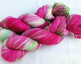 Handpainted Sock Yarn, 75 Wool  superwash, 25 Nylon 100g 3.5 oz.  Nr. 529
