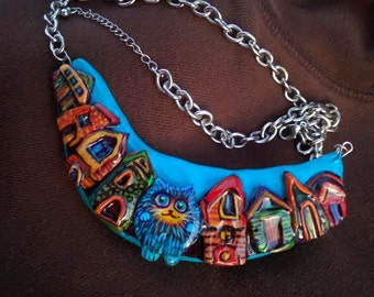 """Necklace """"Cat in a City"""" sculpted and hand painted"""
