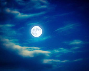 Moon Print, Dreamy Moon Print, Blue Fantasy Art, Moon Photo, Full Moon Picture, Surreal Moon, Blue  Full Moon, Moon Photography, Moon Decor