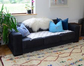 moroccan rug 10 x 4 foot // moroccan rug // azilal rug // moroccan runner rug //