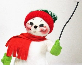 "Annalee Snowman, 7"" Toasting Treats Snowman with Marshmallows, Christmas Doll"