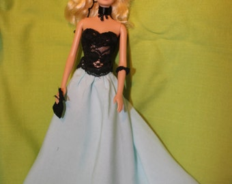 Barbie set 6 pc  - dress and accesories