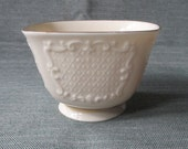 """Lenox CANTERBURY COLLECTION 3"""" x 4.25"""" Footed Square Bowl, Gold Trim (c. 1970s)"""