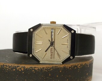 Rare Russian Mens Watch RAKETA 19 Jewels Star Wars Model. Mechanical Watches For Men With Double Calendar. Vintage Watch For Men 80s.