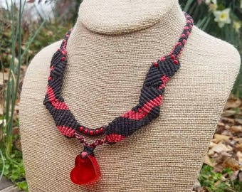 Heart Necklace, Black and Red Micromacrame Necklace, Macrame Necklace, OOAK necklace