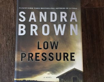First Ed Novel by Sandra Brown Mystery Thriller LOW PRESSURE